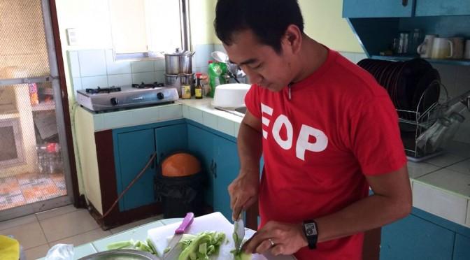 料理する時に必要な英語フレーズをキッチンで勉強!