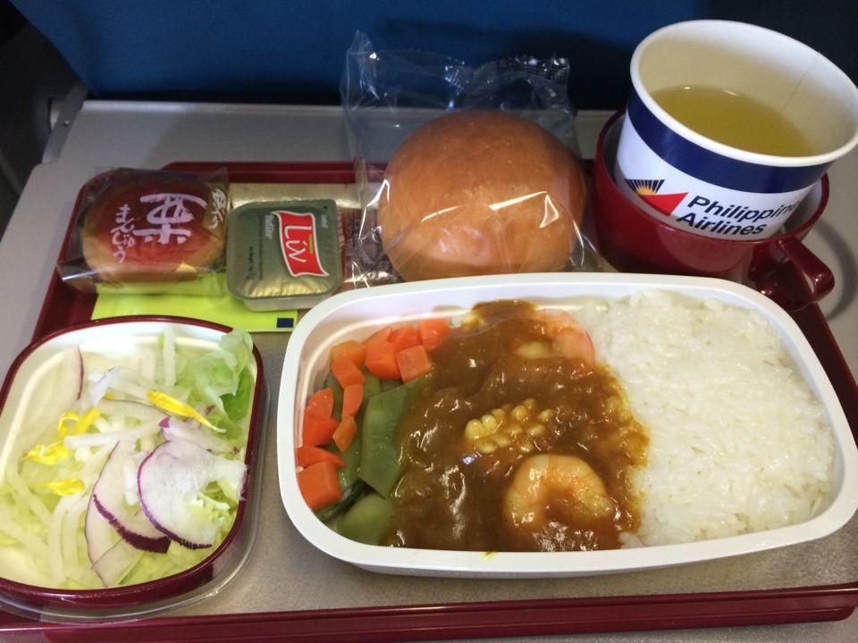 フィリピンエアラインの機内食のシーフードカレーは微妙