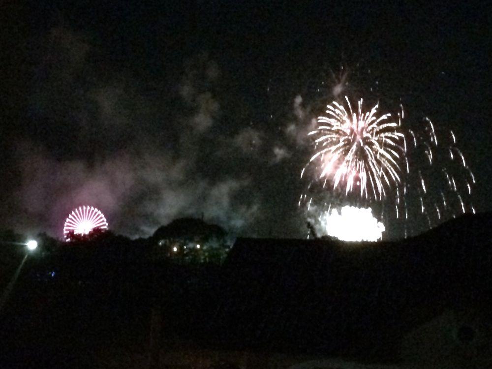 フィリピンで花火を見る