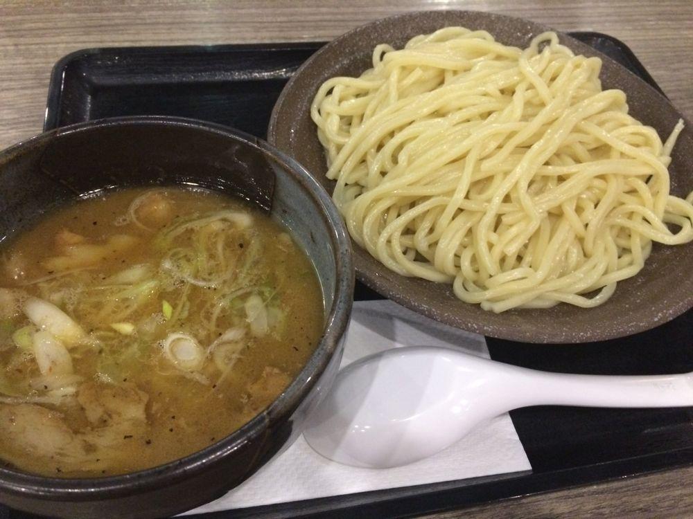 マニラで初のラーメンがとても美味しかった