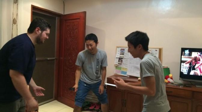 キックボクシング部に元軍人の先生も参加。護身術を英語で教えてもらいました。