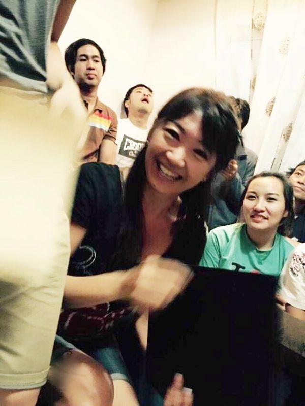 いつも笑顔で笑いの絶えないF2F語学学校 おかげで目尻にシワができました