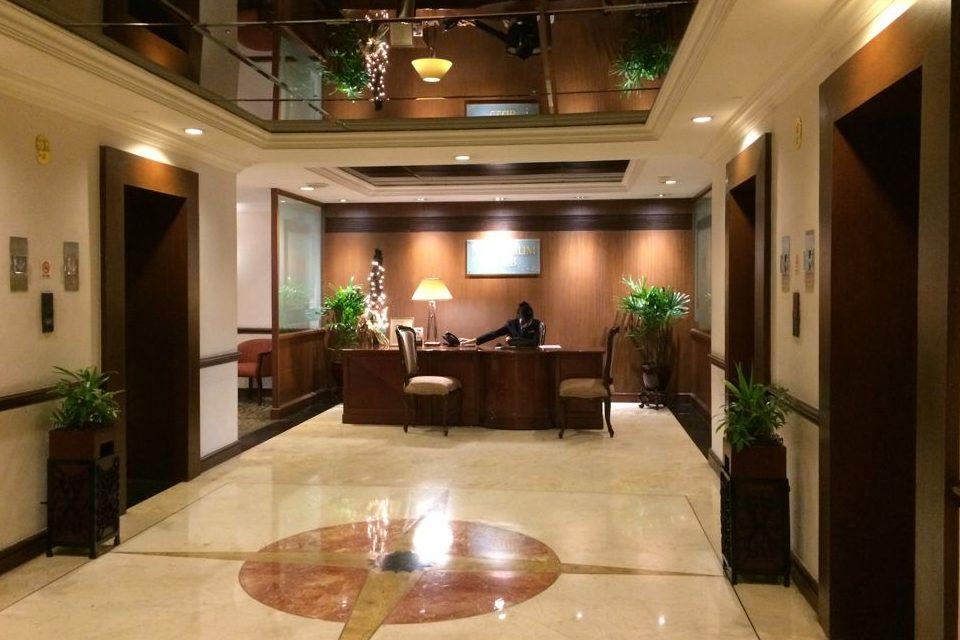 マニラのザ ヘリテイジホテルの9階フロント