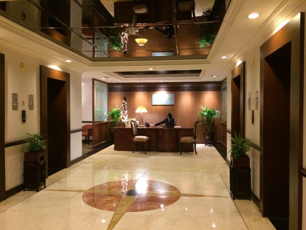 マニラのザ ヘリヘリテージホテルの9階フロント