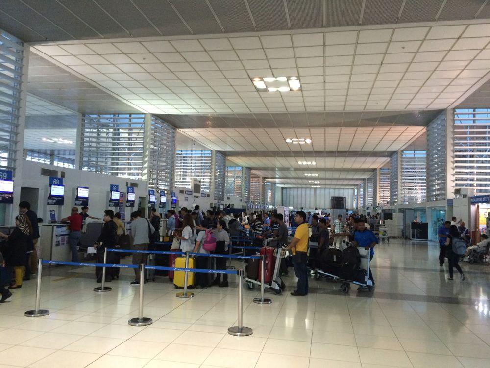 マニラ空港のターミナル2搭乗口