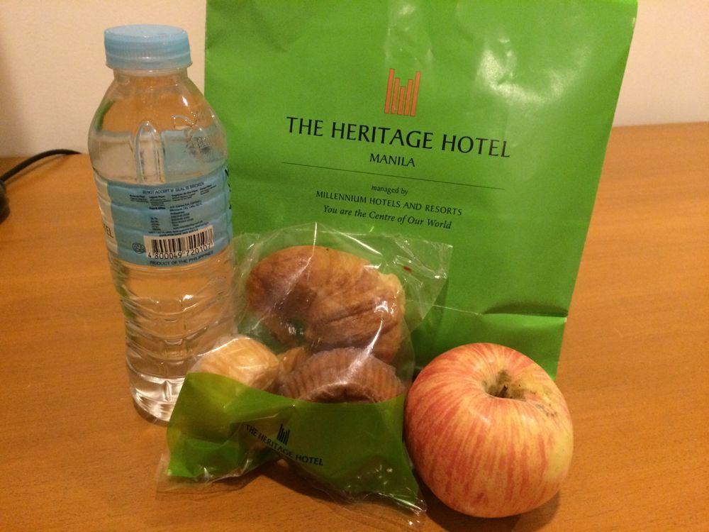 ヘリテージホテルをチェックアウト。朝食ランチボックスをくれました